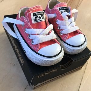 Baby converse size 2 in box